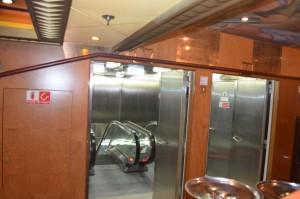 Rolltreppe zur Küche